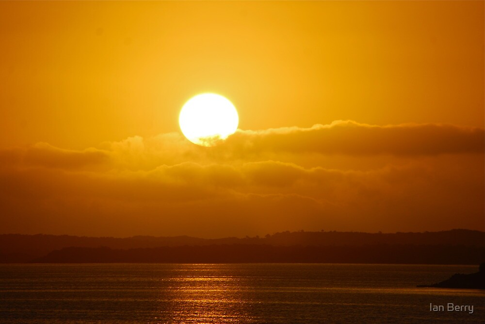 Who says the sun is not round? by Ian Berry