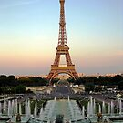 Setting on the Eiffel by kirkgunn