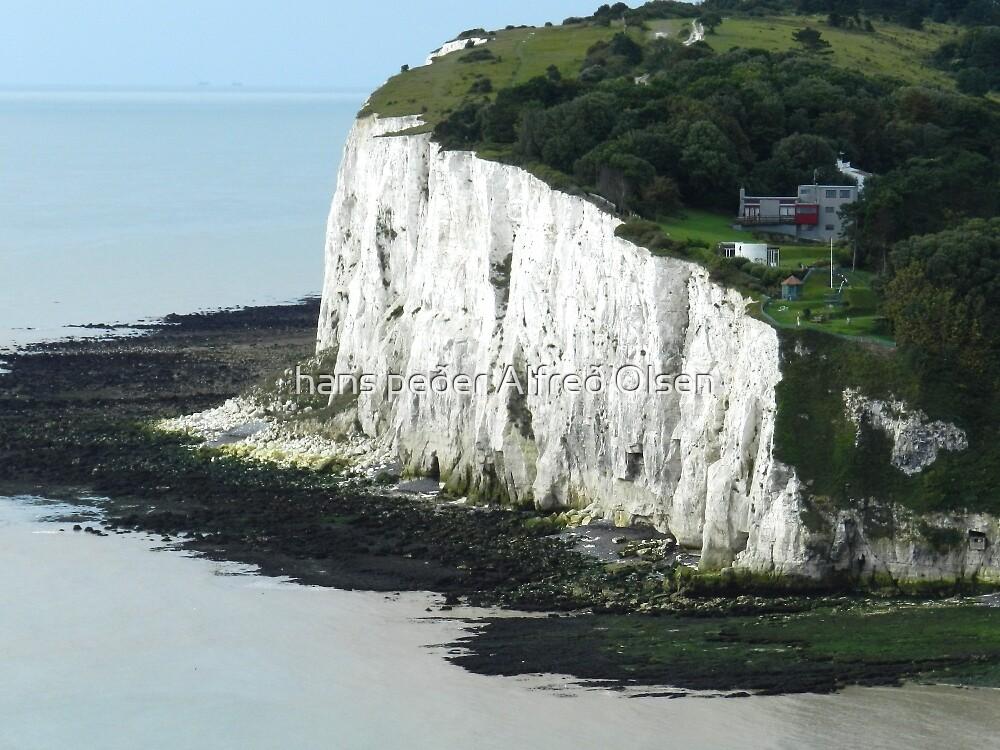 Living on the edge - White Cliffs of Dover by hans peðer alfreð olsen