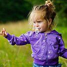 Little girl by Ivo Velinov