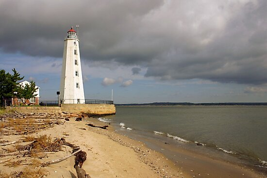 Lynde Point Lighthouse, Connecticut by Jeremy D'Entremont