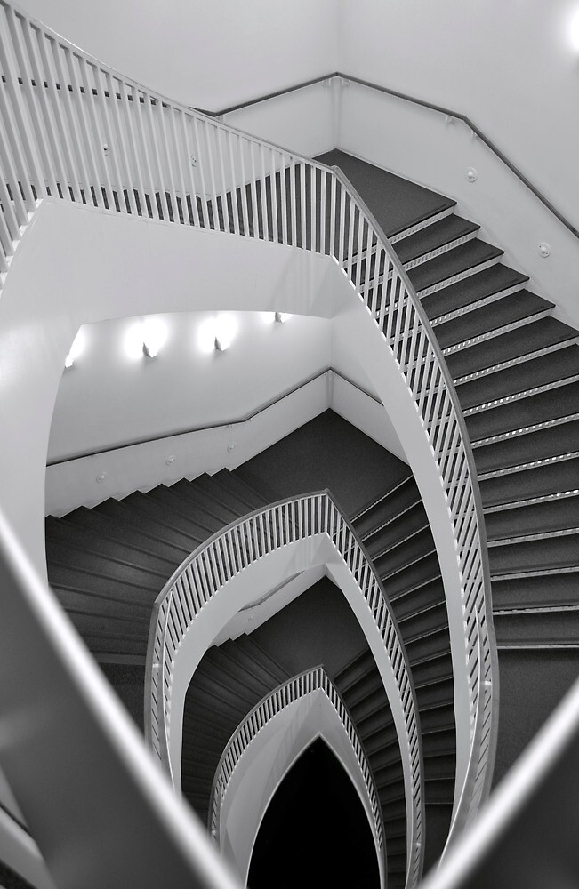 The paradox stairwell by mbraza