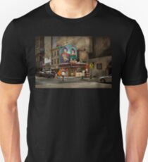 City - Pittsburg, PA - Wiener World Unisex T-Shirt