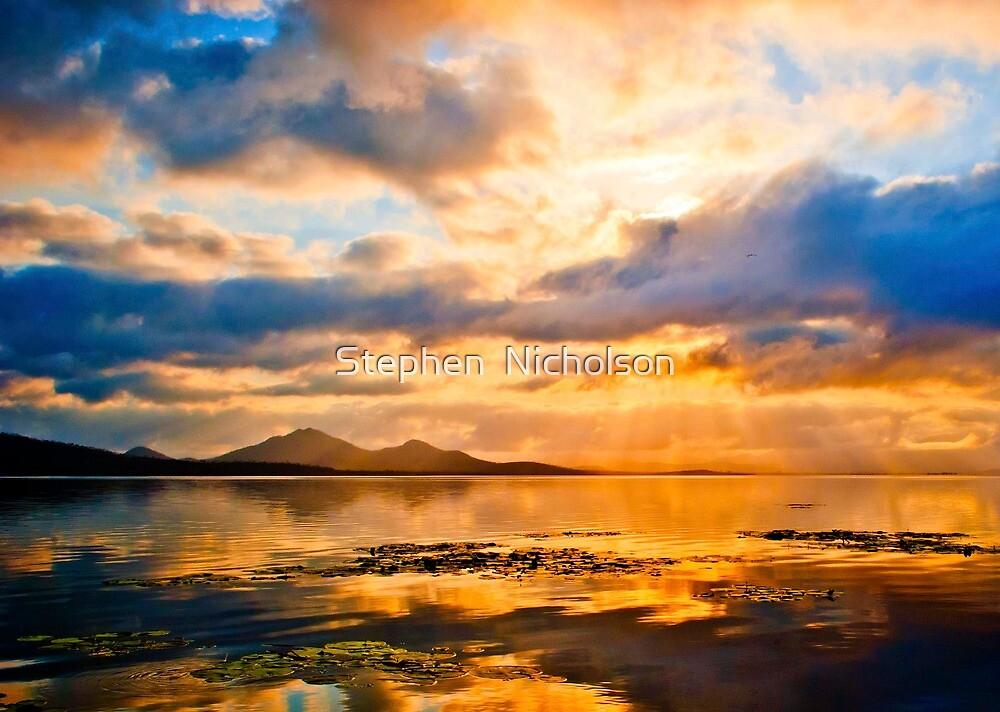 Sunrise over Ross Dam by Stephen  Nicholson