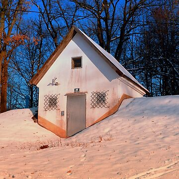 Small cottage in winter wonderland | architectural photography by patrickjobst