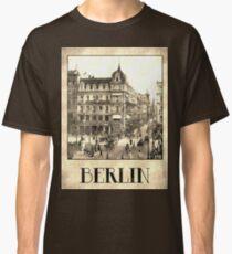 Berlin retro antique Unter den Linden grungy Classic T-Shirt