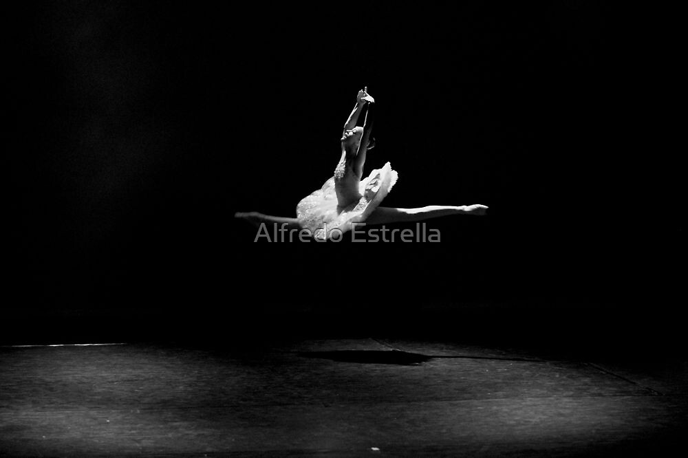 Floating on Stage by Alfredo Estrella