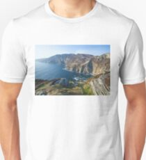 Sliabh Liag sea cliffs in Co. Donegal Unisex T-Shirt