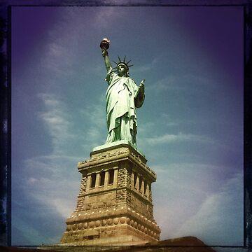 Statue of Liberty by georginho
