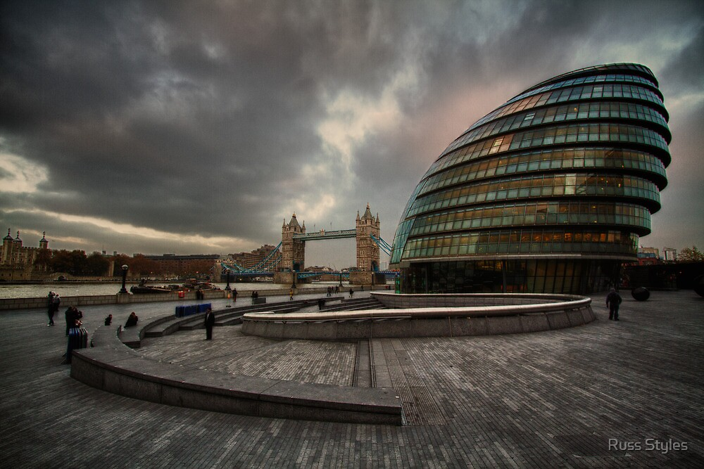 slouching towards bedlam...(The Scoop, Greater London Authority-City Hall, Tower Bridge, London, UK.) by Russ Styles