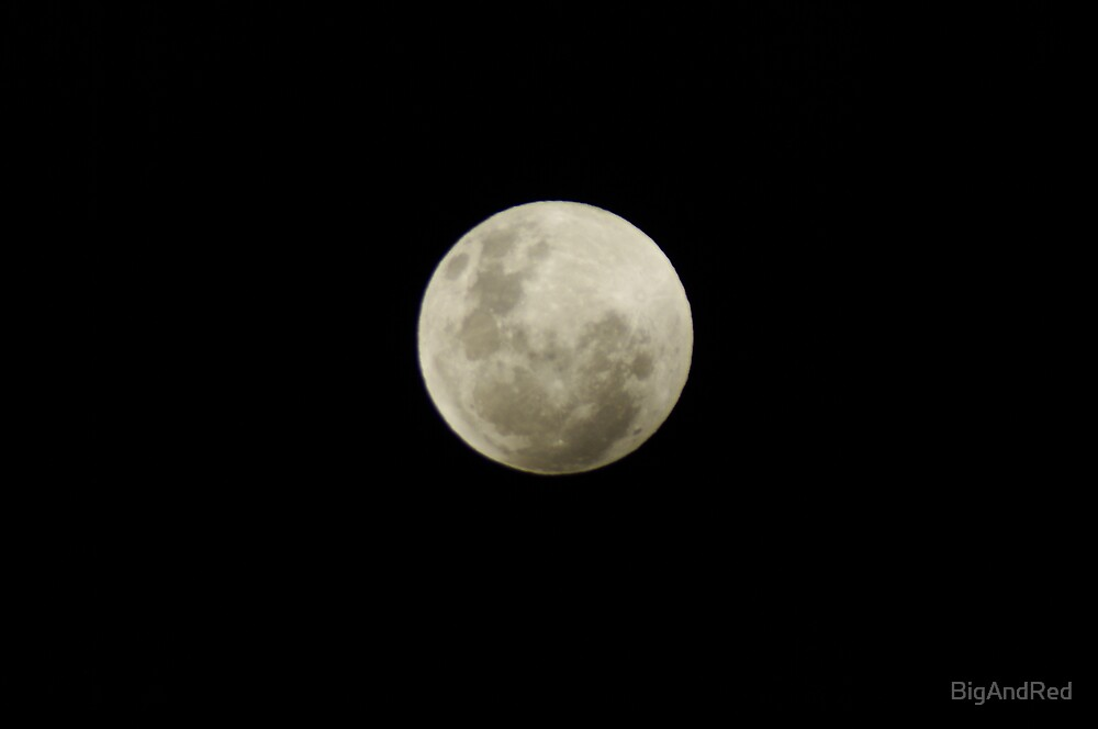 full moon before luna eclipse 10-12-2011 by BigAndRed