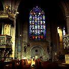 La basilique Notre Dame du Roncier, au centre de Josselin (i) by Ben Luck