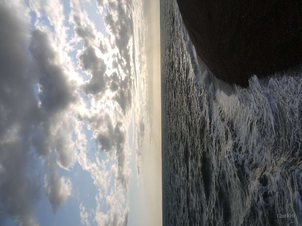 Sea, sky and pebbles by raekin