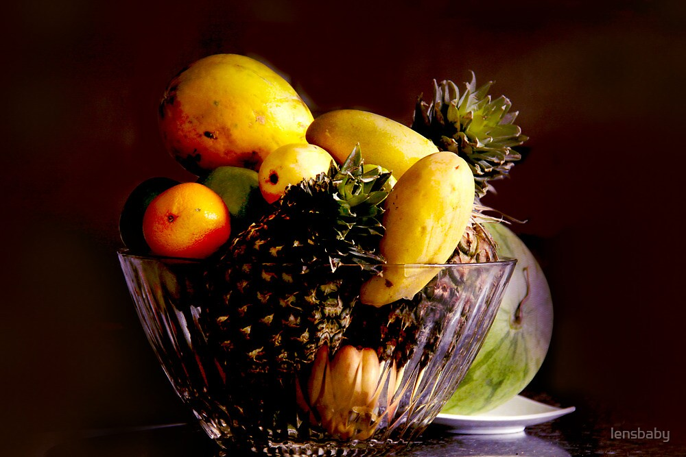 bowl of fruits by lensbaby