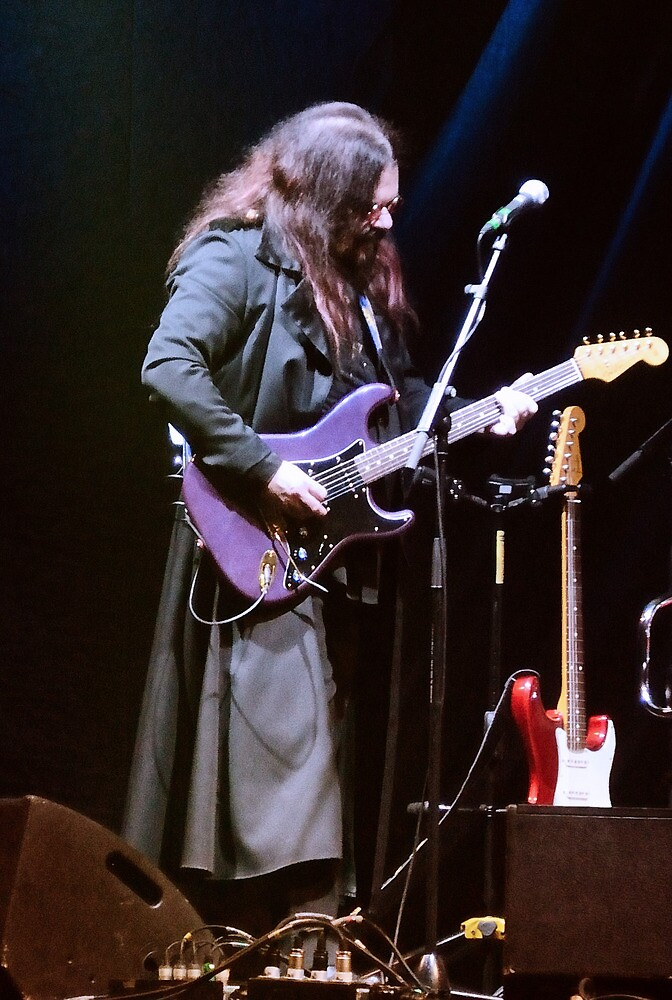 Roy Wood, O2 Arena, Dec 2011... by ElsieBell