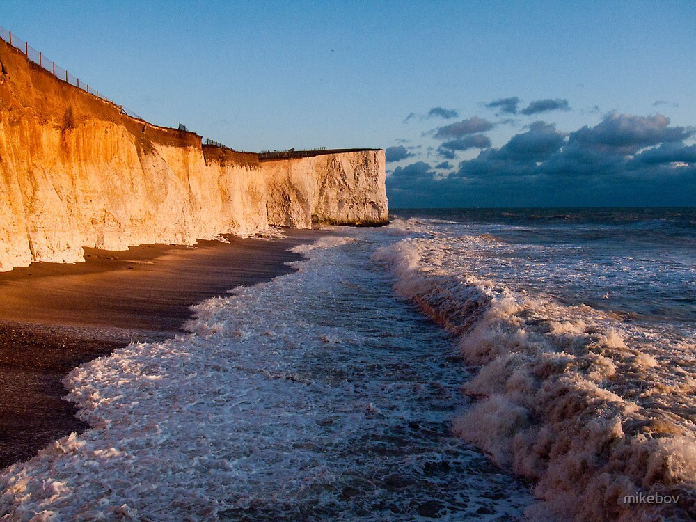 Golden Cliffs by mikebov