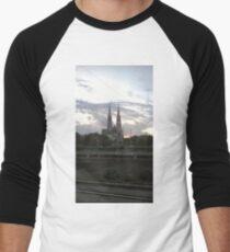 Votive Church, Vienna Men's Baseball ¾ T-Shirt