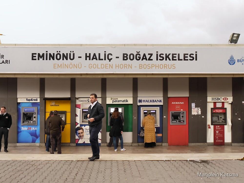 Get some cash at Üsküdar by Marjolein Katsma