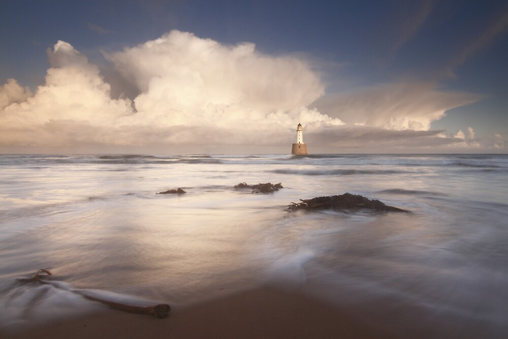 Rattray Head Lighthouse by johnritchie