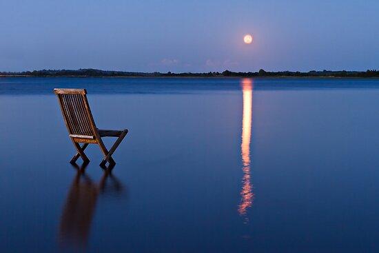 Moon view  by Gert Lavsen