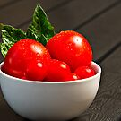 Bowl with Tomatoes by Gert Lavsen