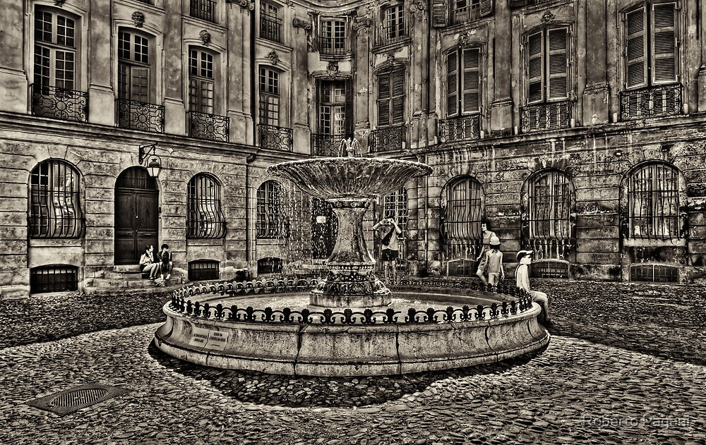 Fountain and windows by Roberto Pagani