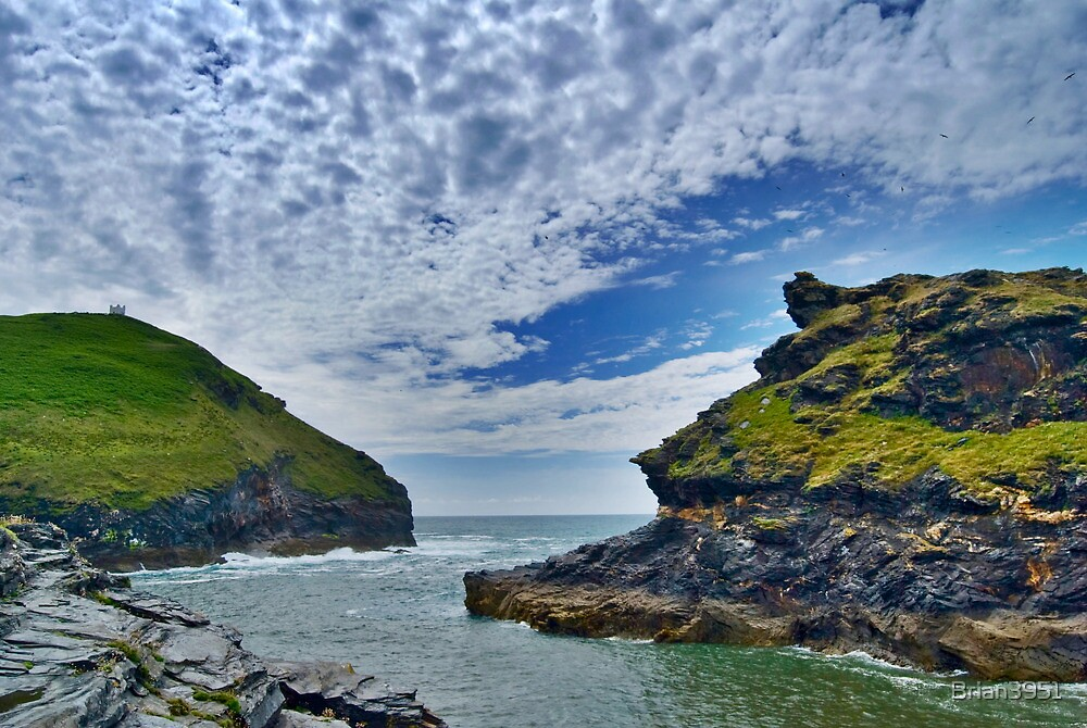 Boscastle harbour inlet by Brian3951