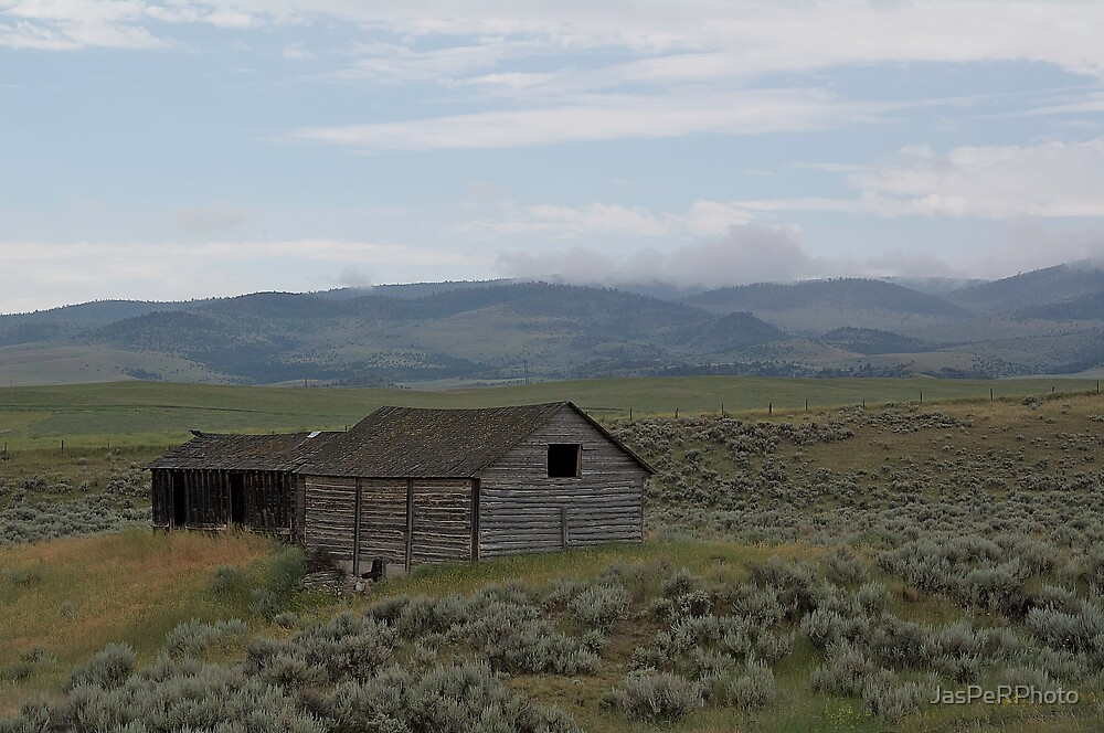 Montana Highway Barn by JasPeRPhoto
