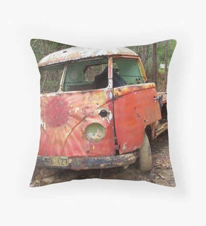Red Splitty Rusting Throw Pillow