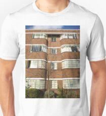 London Deco: Oman Court 1 Unisex T-Shirt