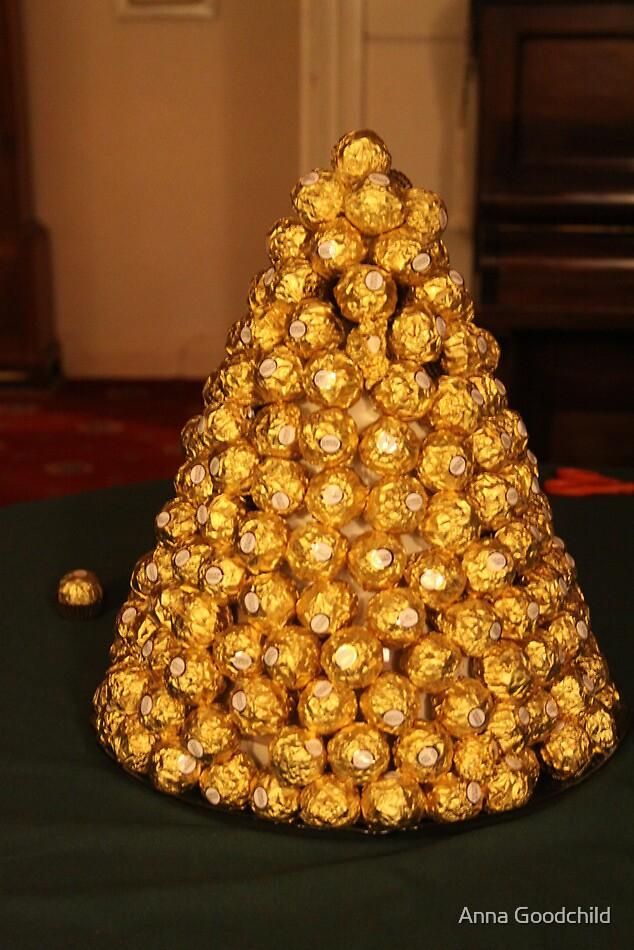 Ferrero mountain - Happy Christmas! by Anna Goodchild