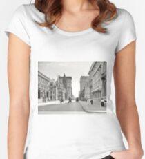 Camiseta entallada de cuello redondo Vintage Fifth Avenue NYC Photograph (1908)