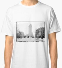 Camiseta clásica Vintage Photograph of The NYC Flat Iron Building