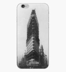 Vinilo o funda para iPhone Old NYC Flat Iron Building Construction Photograph