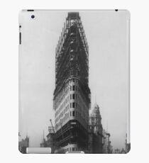 Vinilo o funda para iPad Old NYC Flat Iron Building Construction Photograph