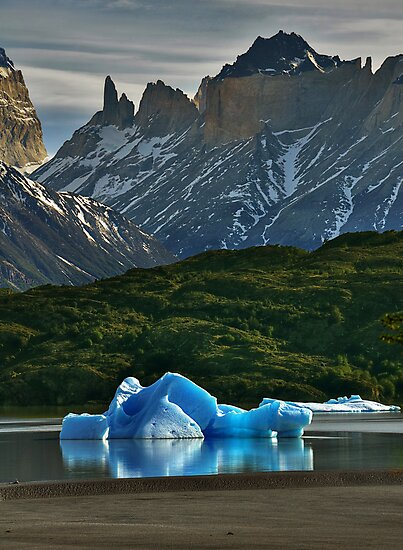 Iceberg and Mountains by Peter Hammer