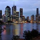 Brisbane by night by Joy Rensch