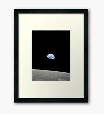 Earthrise from Apollo 8 Gerahmtes Wandbild