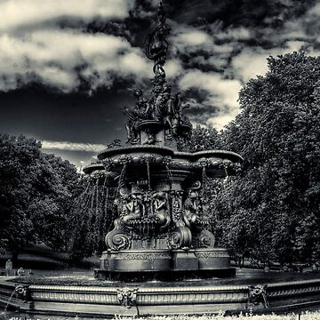 Ross Fountain by chilipenguin
