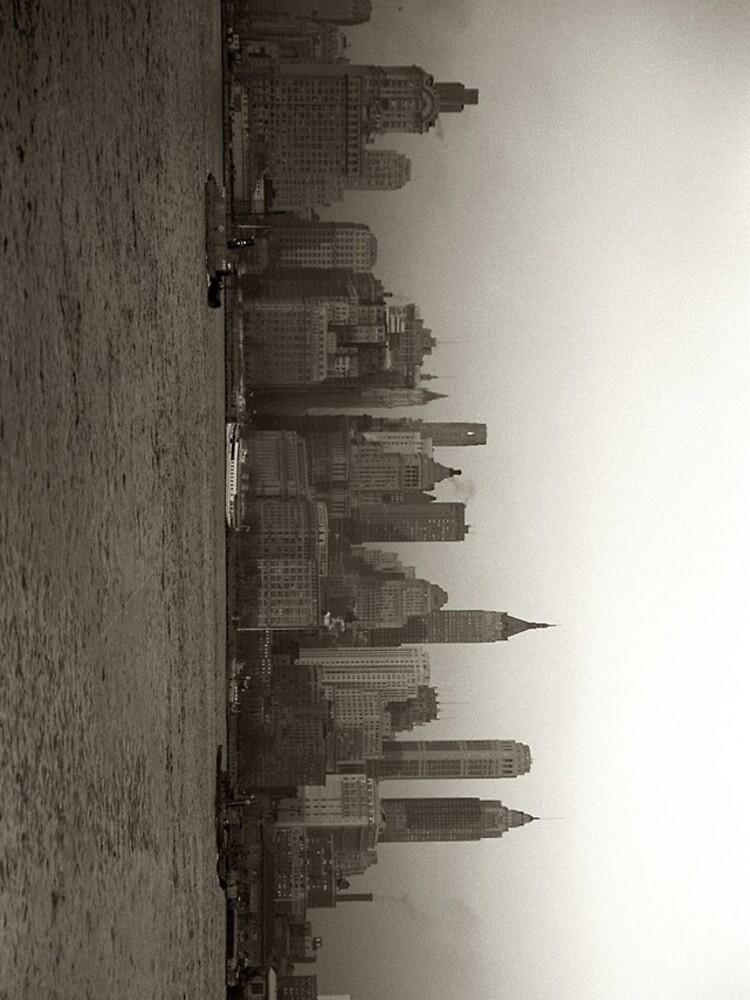 Vintage New York City Skyline Photograph (1941) de BravuraMedia