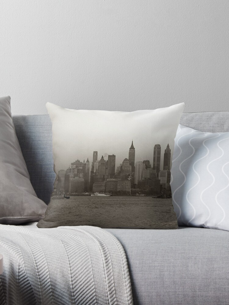 «Vintage New York City Skyline Photograph (1941)» de BravuraMedia