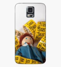 Doll resting on measuring tape Case/Skin for Samsung Galaxy