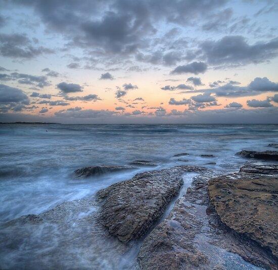 Pink sunset at Cronulla Beach by Rod Kashubin