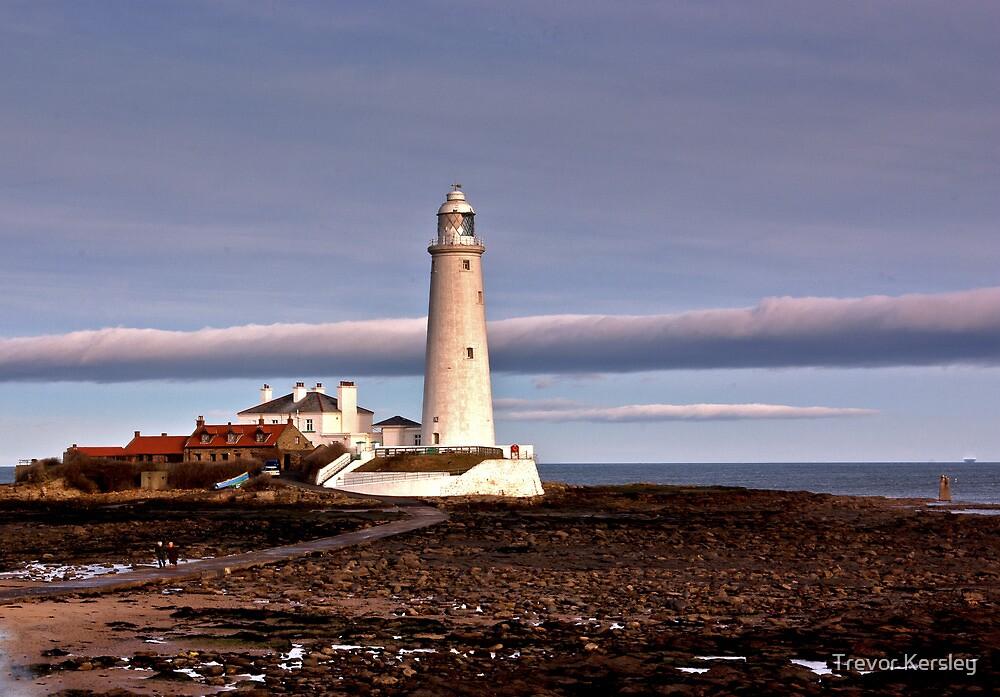 St Mary's Lighthouse by Trevor Kersley