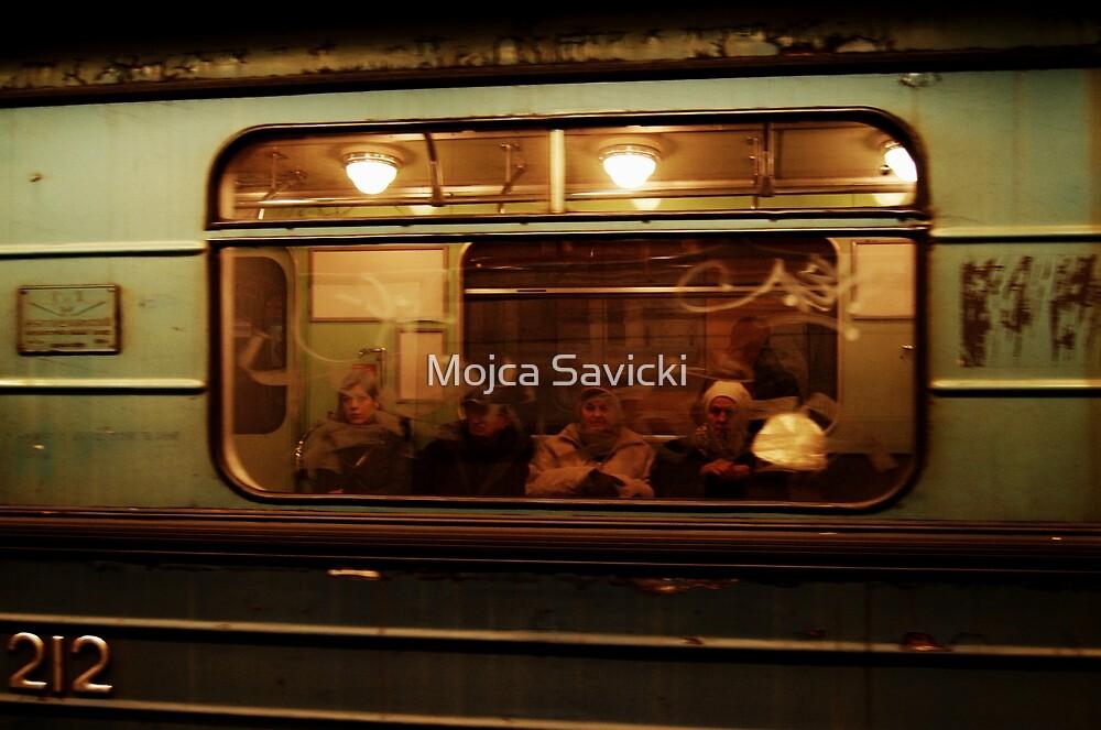2I2 by Mojca Savicki
