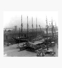 Lámina fotográfica Vintage Ships at Dock NYC Photograph (1908)