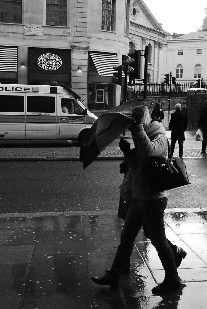 Protected from the rain by the umbrella, Not ! by Sherion