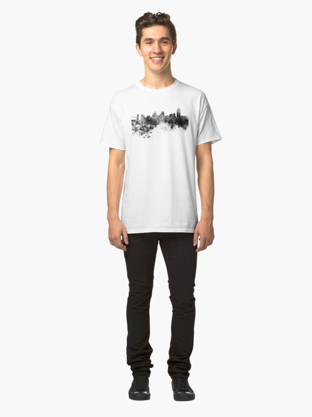Alternative Ansicht von Cincinnati-Skyline im schwarzen Aquarell Classic T-Shirt