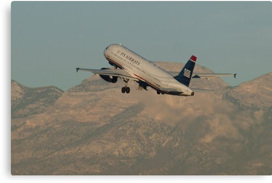 N631AW US Airways Airbus A320-231 by Henry Plumley