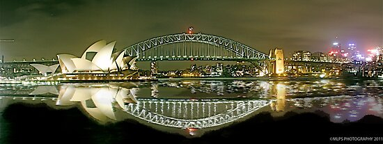 Sydney Harbour Bridge reflection by Andrew  MCKENZIE